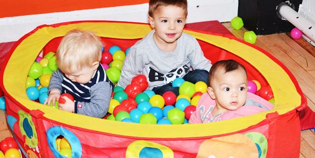Castelnau homepage sliding babies